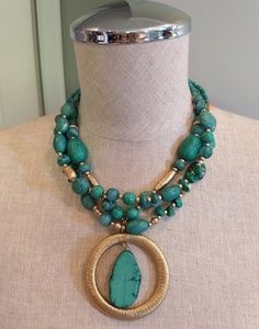 Chico's green necklace